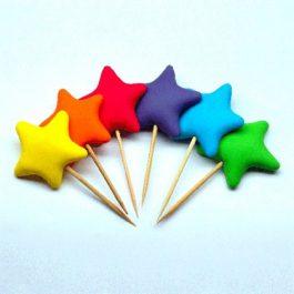 כוכב צבעוני על קיסם